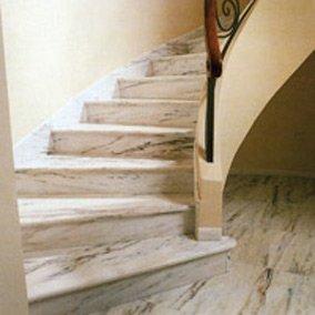 Перепланировка квартир в Северо-западном округе с устройством внутренних лестниц